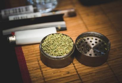Młynek - niezbędne akcesorium każdego palacza i fana waporyzacji.